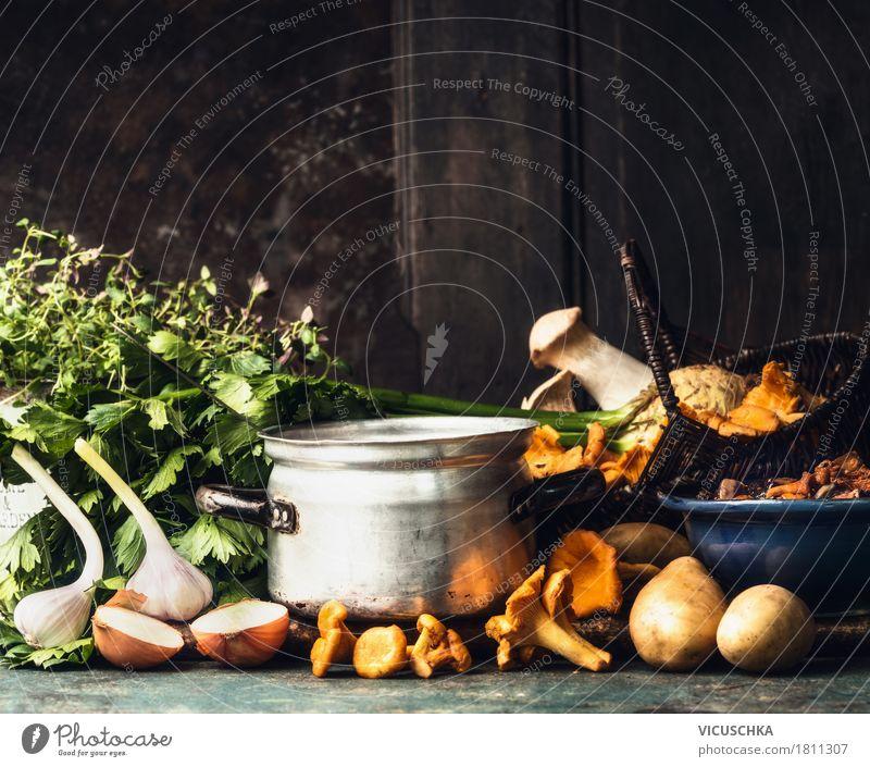 Kochtopf, Waldpilzen und Kochzutaten Lebensmittel Gemüse Kräuter & Gewürze Ernährung Mittagessen Abendessen Festessen Bioprodukte Vegetarische Ernährung