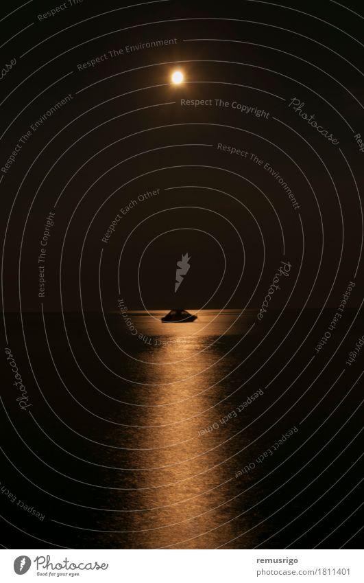 Mond Reflexion Meditation Meer Himmel Vollmond Wasserfahrzeug Denken Ferien & Urlaub & Reisen glühen Mondschein Farbfoto Außenaufnahme Nacht