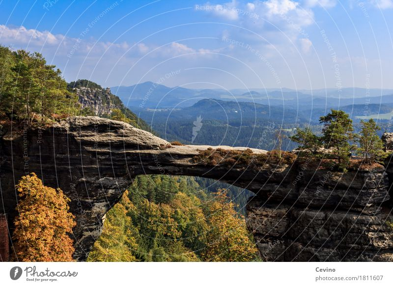 Prebischtor Himmel Natur Sonne Landschaft Wolken Berge u. Gebirge Herbst Freiheit Felsen Tourismus Freizeit & Hobby wandern Europa Lebensfreude Schönes Wetter