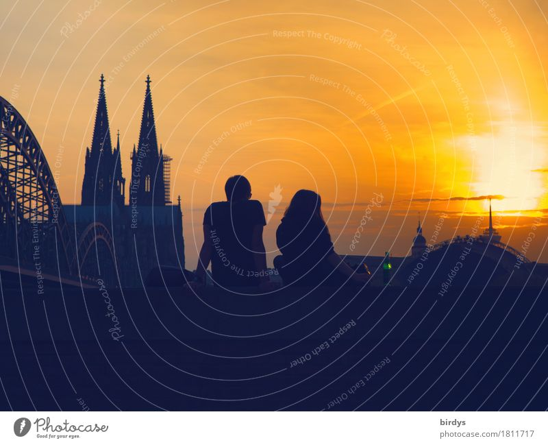 warme Abendstunden in Köln Lifestyle Glück Ferien & Urlaub & Reisen Tourismus Städtereise Sommer Sonne Junge Frau Jugendliche Junger Mann Paar Partner 2 Mensch