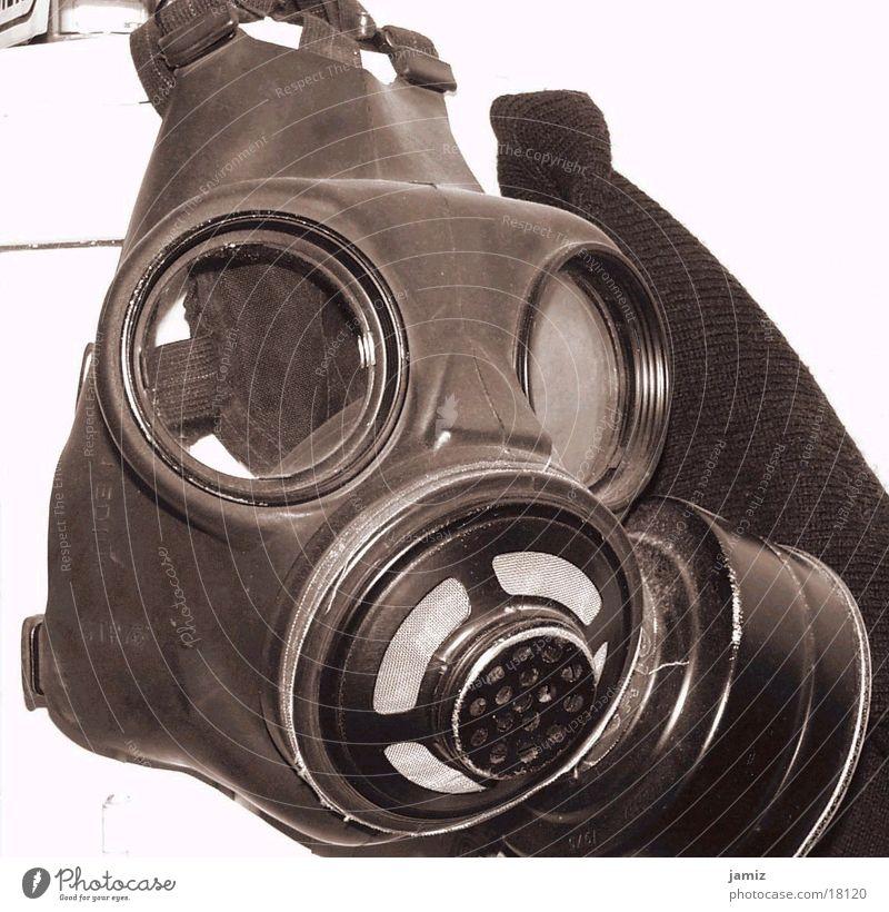 Air can be so dangerous.... Atemschutzmaske historisch