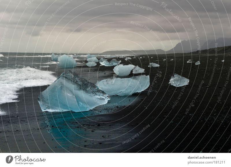 neulich in Eisland Natur Wasser Himmel blau Strand Ferien & Urlaub & Reisen schwarz Wolken dunkel kalt Sand Landschaft Eis Wellen Küste Wetter