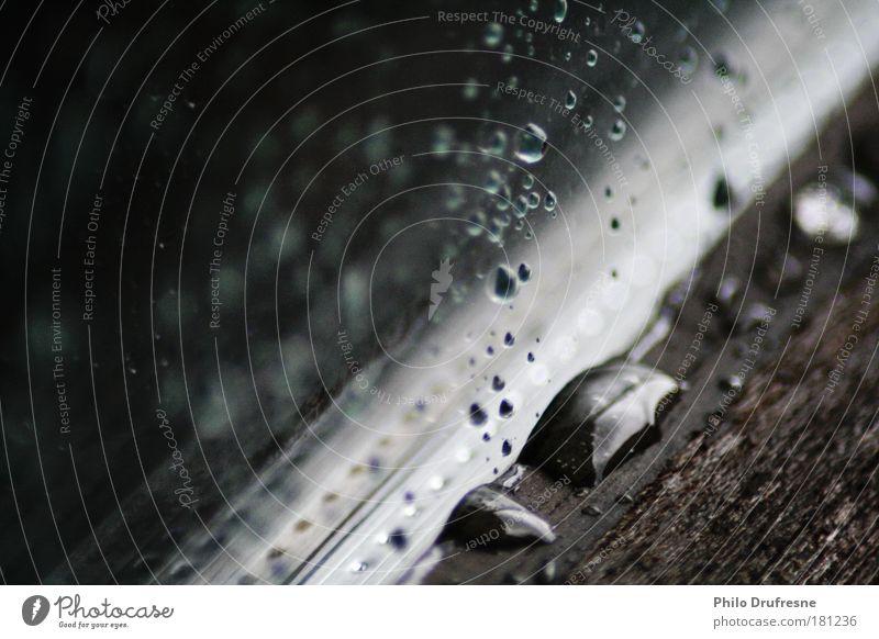 Ansammlung Farbfoto Innenaufnahme Makroaufnahme Schatten Reflexion & Spiegelung Starke Tiefenschärfe Zentralperspektive Wassertropfen Gewitterwolken