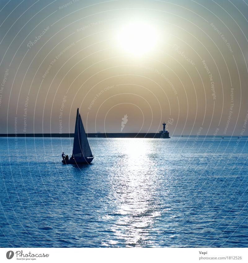 Segelboot gegen Seesonnenuntergang Himmel Natur Ferien & Urlaub & Reisen blau Farbe Sommer Wasser weiß Sonne Meer Landschaft Erholung Strand Wege & Pfade Sport