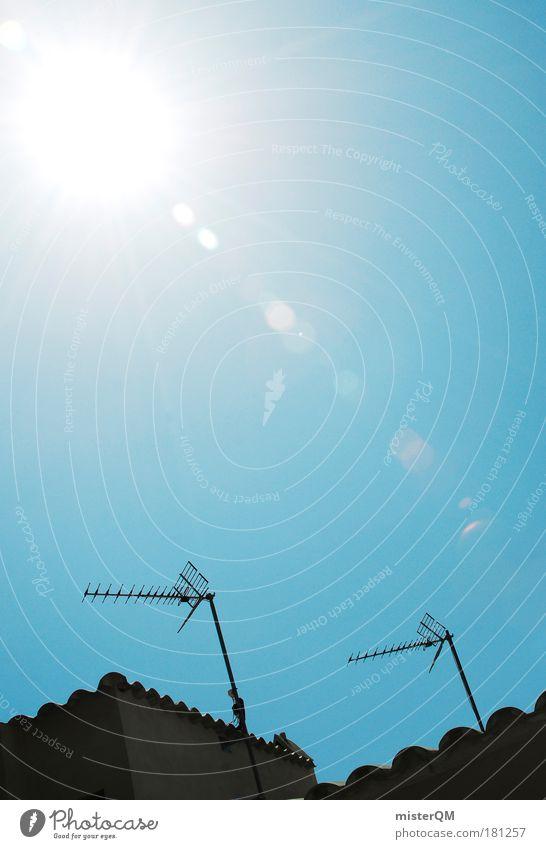 Antennengemeinschaft. Sonne Sommer oben modern Fernseher Fernsehen Medien Globus Spanien Radio Handel Antenne Begrüßung UFO Außerirdischer Siesta