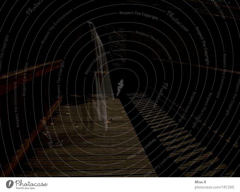 Halloween Mensch alt dunkel Tod träumen Angst Nebel bedrohlich Farbfoto Nachthimmel gruselig Burg oder Schloss Farbe Ruine Geister u. Gespenster Todesangst