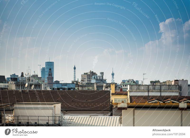 Über den Dächern von Mailand Italien Stadt Stadtzentrum Skyline Menschenleer Haus Hochhaus Architektur Dach Farbfoto Außenaufnahme Tag Zentralperspektive Totale