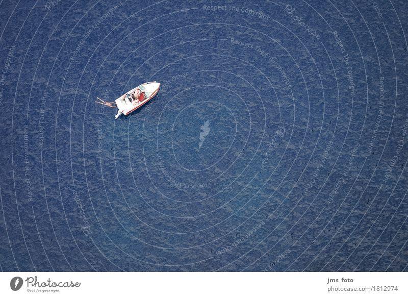 Schwimmer und Boot im Meer Ferien & Urlaub & Reisen blau Wasser Freude Sport Küste Schwimmen & Baden Wellen Abenteuer Spanien sportlich Fernweh Schifffahrt