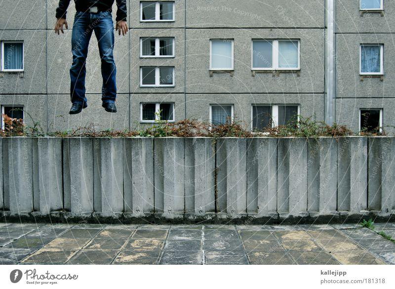 2600_dein foto wurde leider nicht bestätigt Mensch Mann Haus Erwachsene Fenster Tod Leben springen Traurigkeit Gebäude Beine Kunst Angst Fassade Lifestyle