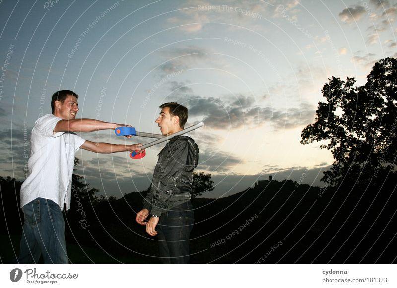 Kopf ab Mensch Himmel Mann Natur Jugendliche Freude Erwachsene Landschaft Leben Freundschaft Kraft Waffe Hoffnung 18-30 Jahre bedrohlich Kommunizieren