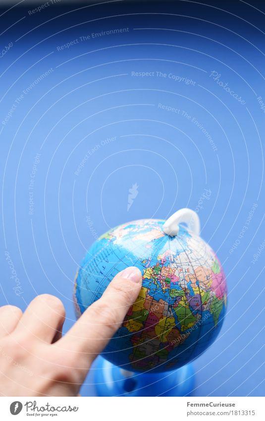 Globus_1813315 Ferien & Urlaub & Reisen Hand Meer Erde Europa lernen Klima Frankreich zeigen Afrika England Mittelmeer Klimawandel Großbritannien Englisch