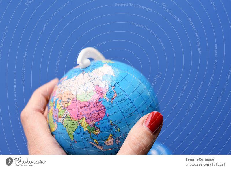 Globus_813321 Ferien & Urlaub & Reisen blau Ferne Erde Tourismus lernen Finger Klima festhalten Asien Fernweh China Indien Japan Klimawandel