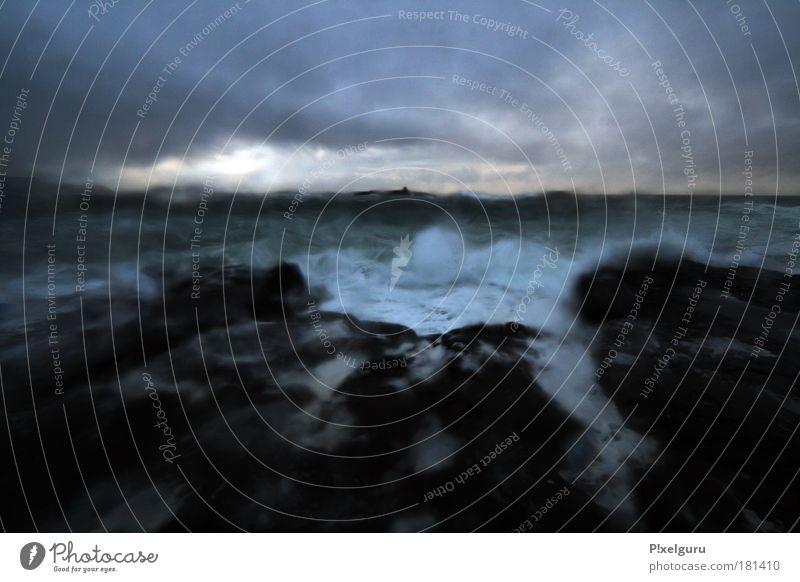 Schatz, das Nudelwasser kocht. Himmel Natur Wasser Ferien & Urlaub & Reisen Meer Wolken kalt dunkel Herbst Landschaft Küste Wetter Wellen nass Horizont