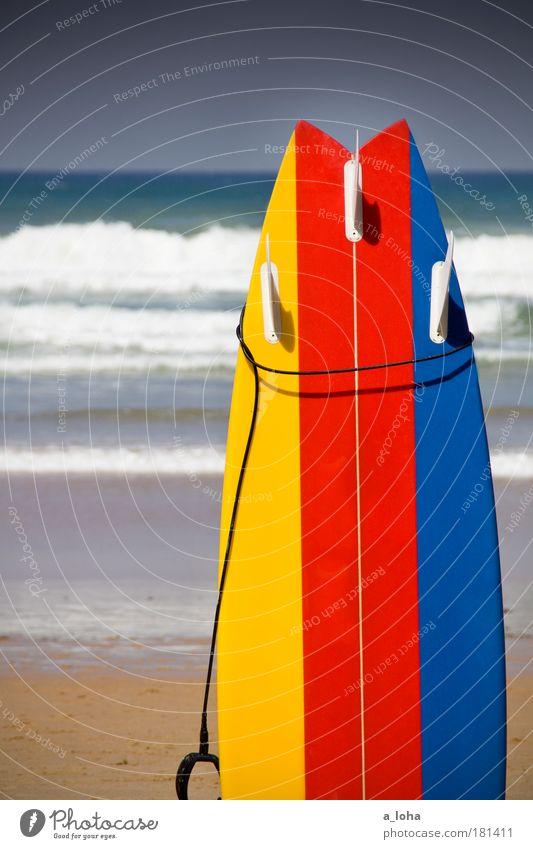 gelb-rot-blau Wasser Ferien & Urlaub & Reisen Sommer Meer Strand Sport Freiheit Sand Linie Wellen Design modern außergewöhnlich