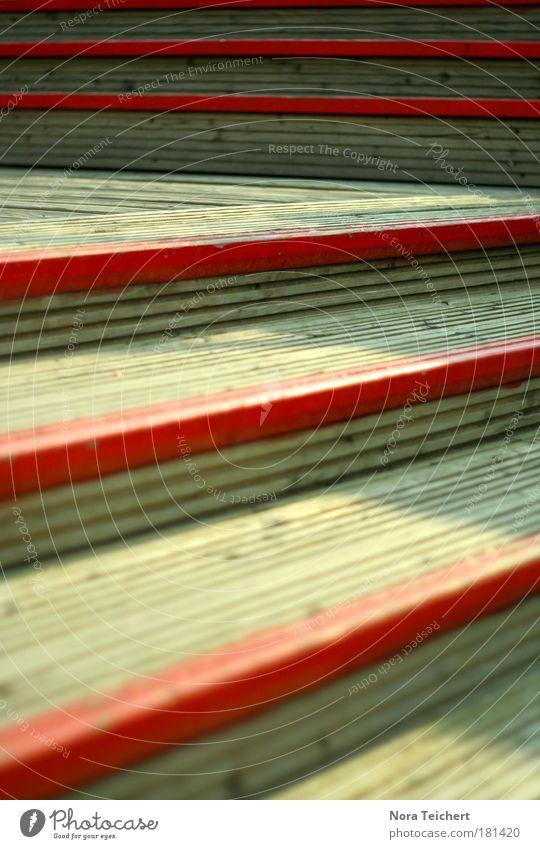 Red stairs. Farbfoto Gedeckte Farben mehrfarbig Außenaufnahme Nahaufnahme Detailaufnahme Experiment abstrakt Strukturen & Formen Menschenleer Abend Licht