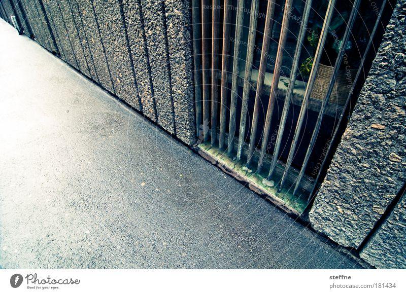 Krieg und Obama Wege & Pfade Tür Beton Fassade Frieden Fußgänger