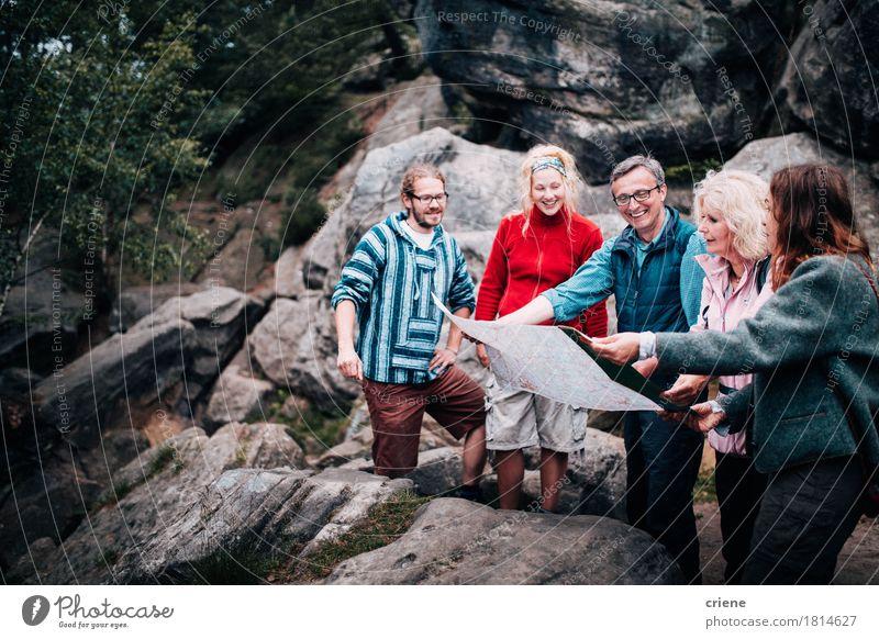 Gruppe von Personen im gemischten Alter nach Reiseleitung Lifestyle Freude Freizeit & Hobby Tourismus Berge u. Gebirge wandern Mutter Erwachsene Vater