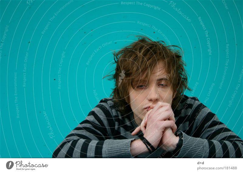 <°> maskulin Junger Mann Jugendliche 1 Mensch Bekleidung Pullover Haare & Frisuren brünett Denken träumen Traurigkeit Gefühle Stimmung ruhig Sehnsucht