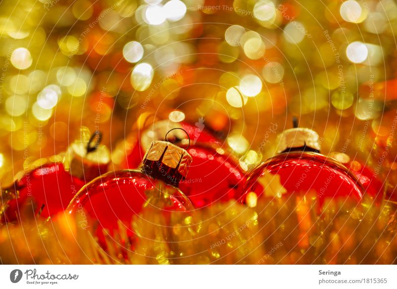 Weihnachtskugeln im Gold-Bokeh Feste & Feiern Weihnachten & Advent Kirche Spiegel Dekoration & Verzierung Kerze Glas Metall Kristalle Kreuz glänzend
