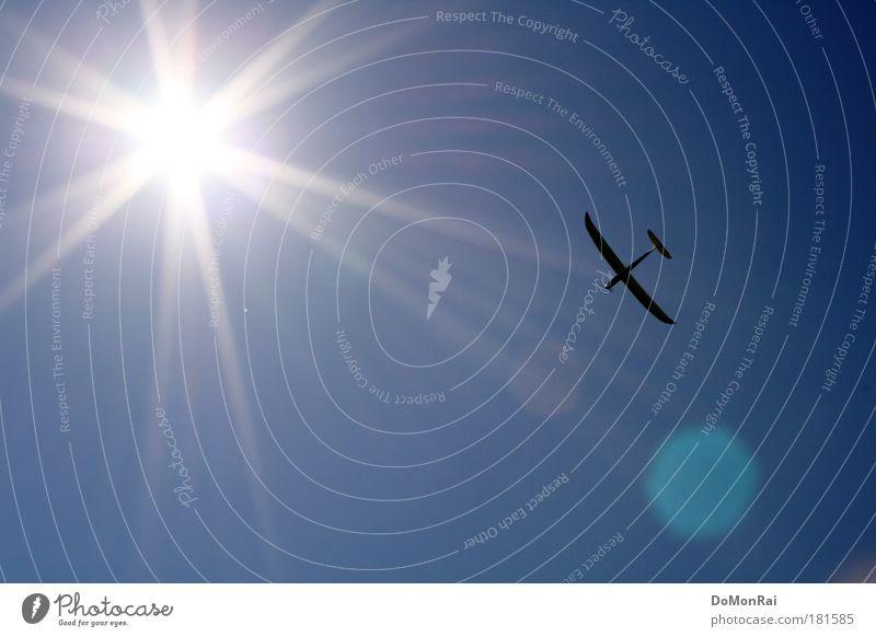 Daedalus remote-controlled Himmel Sonne blau Bewegung Freiheit hell Flugzeug fliegen Geschwindigkeit Luftverkehr Abenteuer Güterverkehr & Logistik Tourismus