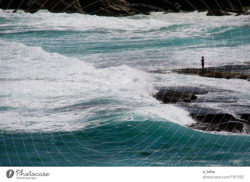 die macht des ozeans Mensch Natur blau Wasser schön Meer Strand Einsamkeit Ferne Freiheit Küste träumen Wellen Wind Kraft Felsen