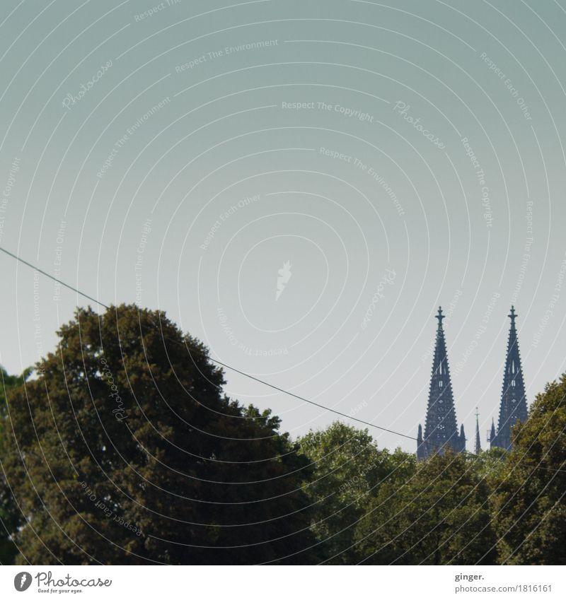 Am seidenen Faden Köln Köln-Deutz Stadt Stadtzentrum Skyline Menschenleer Dom Bauwerk Sehenswürdigkeit Wahrzeichen Denkmal Kölner Dom Ornament Glaube