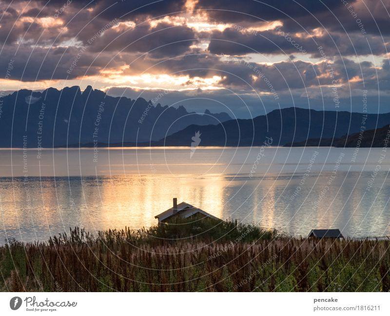 die sonne geht nun schlafen Landschaft Wasser Himmel Wolken Herbst Pflanze Küste Bucht Fjord Haus Hütte Gefühle Lebensfreude Berge u. Gebirge