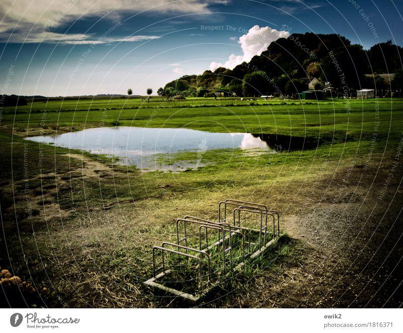Landschaft mit Fahrradständer Umwelt Natur Pflanze Wasser Himmel Wolken Horizont Klima Schönes Wetter Baum Gras Wiese Hügel Ostsee Pfütze Rügen Dorf bevölkert