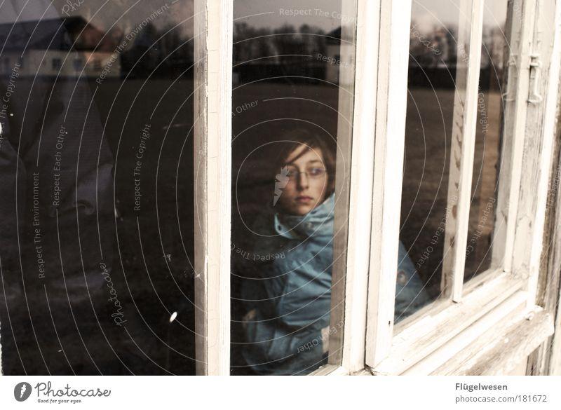 Lehre uns bedenken, auf dass wir klug werden! Farbfoto Außenaufnahme Mensch 2 Denkmal historisch Traurigkeit Sorge Trauer Tod Todesangst Konzentrationslager