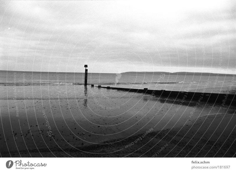 Schwache Brandung Himmel Wasser weiß Meer Strand Wolken Einsamkeit schwarz Ferne dunkel Landschaft Holz Sand Küste Luft Horizont
