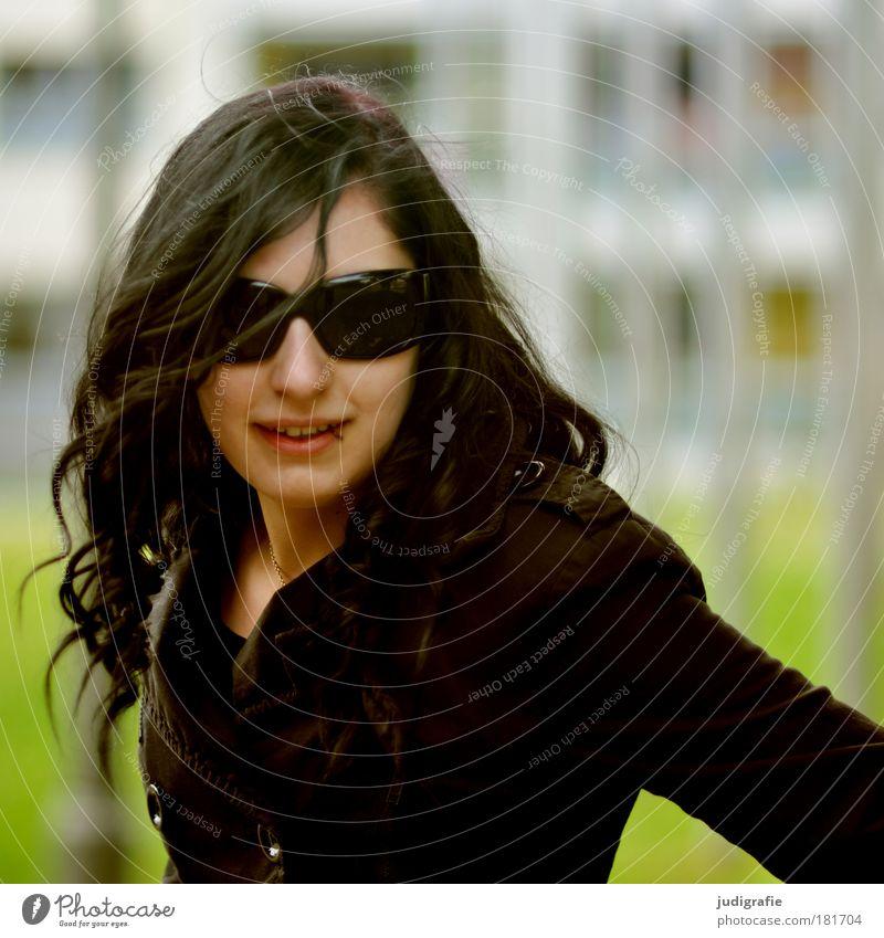 Mädchen Frau Mensch Jugendliche schön grün Gesicht schwarz feminin Stil Glück Haare & Frisuren Kopf Mund Mode Erwachsene