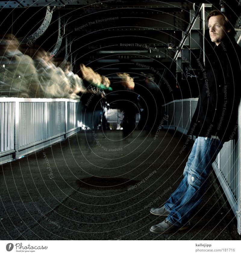 demagogischer wandel Mensch Studium Mann Erwachsene Bewegung Menschengruppe Arbeit & Erwerbstätigkeit Schuhe warten laufen Brücke Lifestyle Bildung Jeanshose
