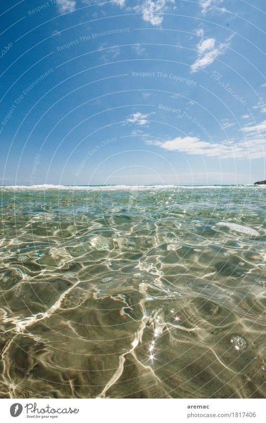 Tag am Meer Schwimmen & Baden Natur Landschaft Wasser Himmel Sommer Schönes Wetter Küste Mittelmeer blau Farbfoto Außenaufnahme Nahaufnahme Menschenleer