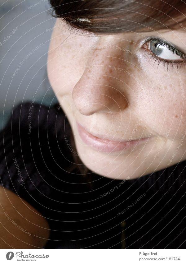 soul:made Mensch Frau Jugendliche blau Erwachsene Gesicht Junge Frau Auge feminin grau Glück 18-30 Jahre Denken träumen Lächeln Fröhlichkeit
