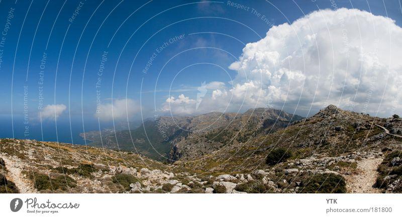 Misty Mountain Hop Himmel Natur Sommer Wolken Einsamkeit Berge u. Gebirge Landschaft Umwelt Wege & Pfade Küste Stimmung Luft Wetter Erde Felsen Klima