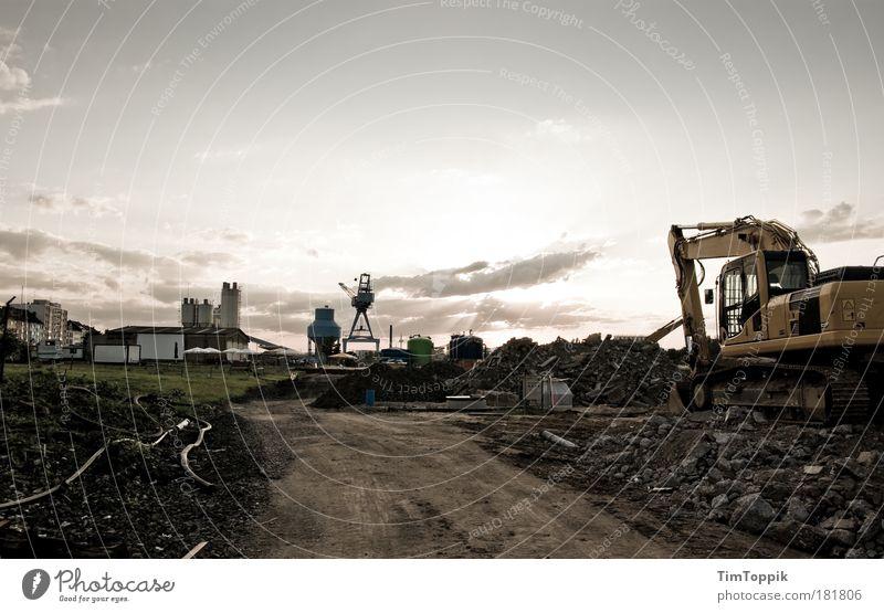 Baggern im Abendrot Zentralperspektive Panorama (Aussicht) Frankfurt am Main Hessen Stadtrand Menschenleer Industrieanlage Fabrik trist Baustelle