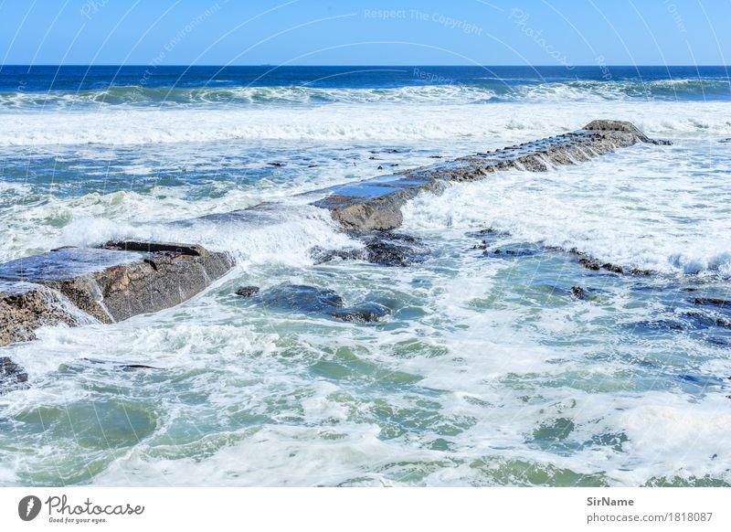 402 [break] Ferne Sommer Meer Wellen Umwelt Wasser Wolkenloser Himmel Küste Riff Fischerdorf Anlegestelle Schifffahrt Hafen Beton Linie Flüssigkeit groß maritim