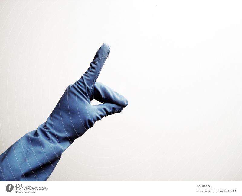 hab mir nen wolf geputzt Farbfoto Gedeckte Farben Innenaufnahme Textfreiraum rechts Kunstlicht Licht Kontrast Hand Finger Handschuhe Reinigen Sauberkeit Zeichen