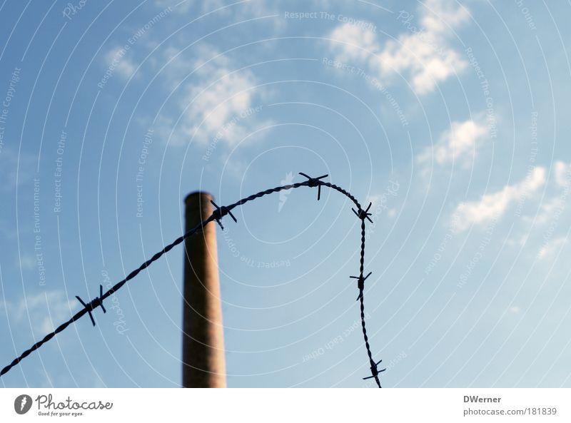Sicherungsverwahrung Himmel Wolken Stein Architektur groß hoch Industrie Energiewirtschaft Fabrik Turm dünn heiß lang Duft Bauwerk