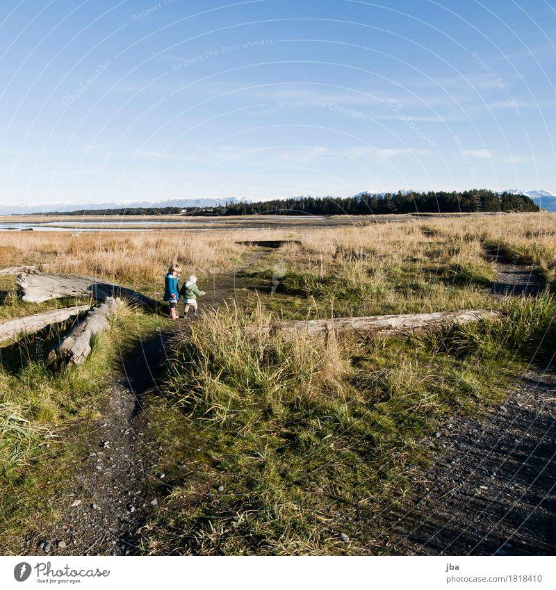 Beluga Slough Erholung Freizeit & Hobby Ausflug Ferne Freiheit Strand wandern Mädchen 2 Mensch 1-3 Jahre Kleinkind Landschaft Herbst Schönes Wetter Wind Gras