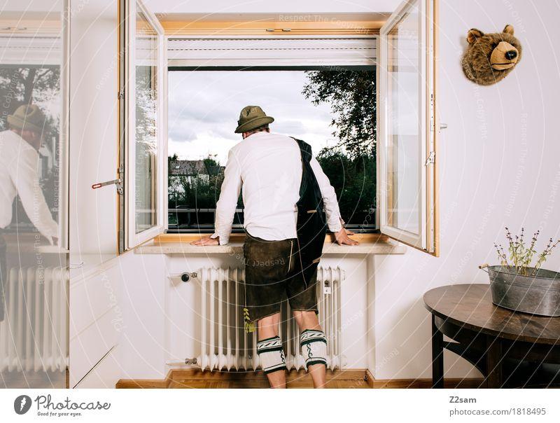 WIESN 2017 - Bald geht´s los Lifestyle elegant Stil Oktoberfest Junger Mann Jugendliche 18-30 Jahre Erwachsene Tracht Krachlederne Trachtenhut Hut festhalten
