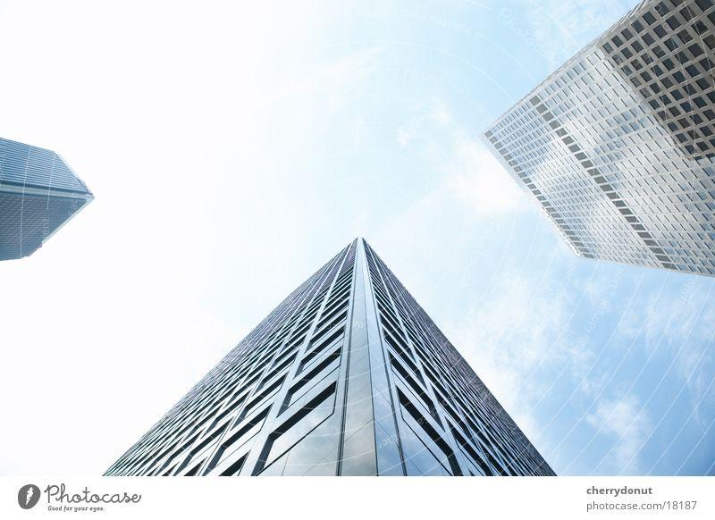 Wolkenkratzer Froschperspektive Haus Hochhaus Architektur Himmel hoch Skyline