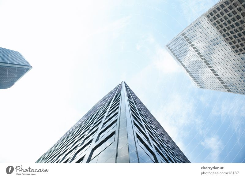Wolkenkratzer Himmel Haus Architektur Hochhaus hoch Skyline Froschperspektive