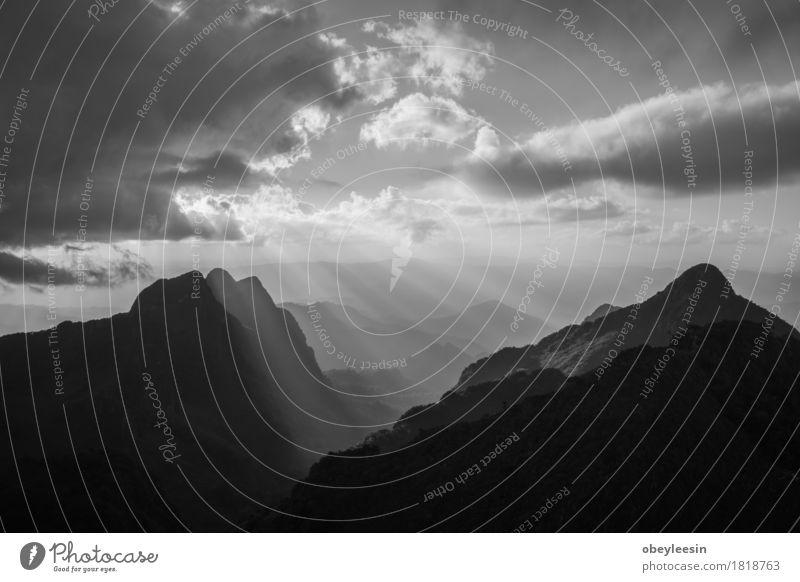 Landschaft Natur Erde Himmel Wolken Sonnenaufgang Sonnenuntergang Liebe Tod Abenteuer Schwarzweißfoto Menschenleer Hintergrund neutral Abend Weitwinkel