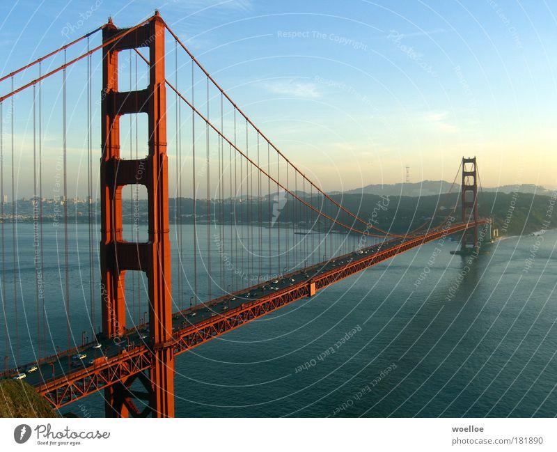 The Majesty of Bridges Landschaft Wasser Himmel Sonnenlicht Schönes Wetter Hügel Küste Bucht Meer Pazifik San Francisco San Francisco Bay USA Amerika Stadtrand