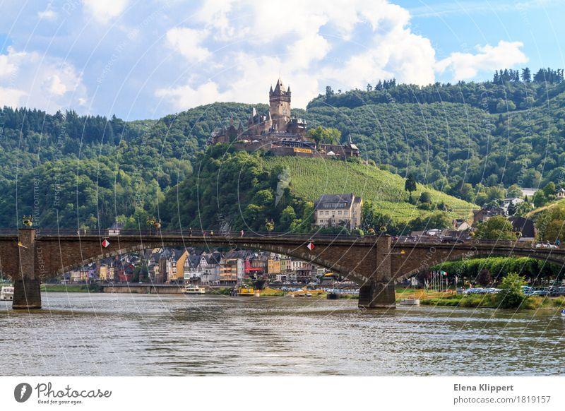 Cochem an der Mosel Mosel (Weinbaugebiet) Deutschland Rheinland-Pfalz Dorf Kleinstadt Stadt Altstadt bevölkert Palast Burg oder Schloss Turm Bauwerk Gebäude