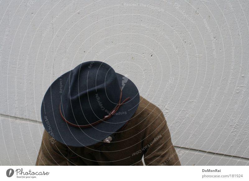 Biometric access denied! Mensch blau Erwachsene dunkel Wand grau Traurigkeit Mauer braun Arme sitzen Beton maskulin trist retro 18-30 Jahre