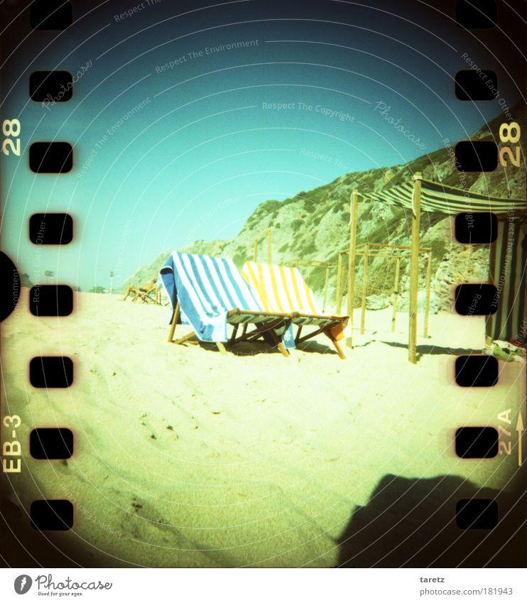 einladend Sommer Strand ruhig Sand Zufriedenheit Felsen Lomografie Streifen Buchstaben Ziffern & Zahlen Stoff Freude Lebensfreude Wohlgefühl Schönes Wetter gestreift