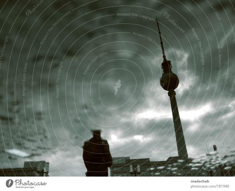 melancholie deluxe Mann Stadt Winter Erwachsene Einsamkeit Herbst Leben Tod Berlin Senior Traurigkeit Angst Armut Klima Nacht Trauer