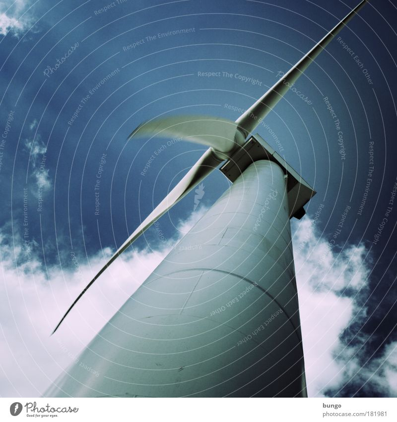id vertitque vertit Klima Himmel blau Wolken Wind Industrie modern Energiewirtschaft Zukunft Technik & Technologie Windkraftanlage Licht drehen hässlich Umweltschutz Umweltverschmutzung